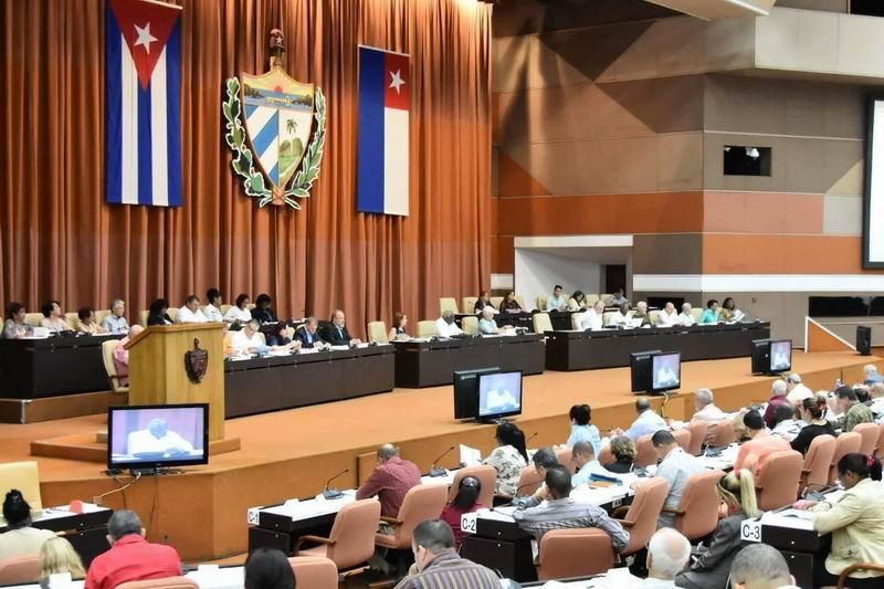 Debatirán hoy diputados proyectos de leyes de Símbolos Nacionales, Pesca y Electoral