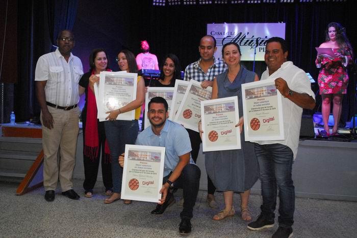 La Unión de Periodistas de Cuba entregó los premios del Concurso Nacional de Periodismo 26 de Julio.