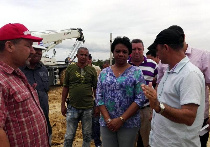 Recorre Inés María Chapman municipios de la provincia Holguín