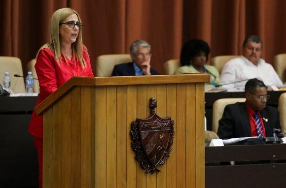 Presenta ministra de finanzas y precios informe de liquidación del Presupuesto del Estado en 2018