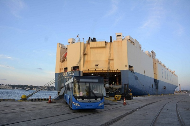 More than a hundred new buses for public transport arrive in Cuba
