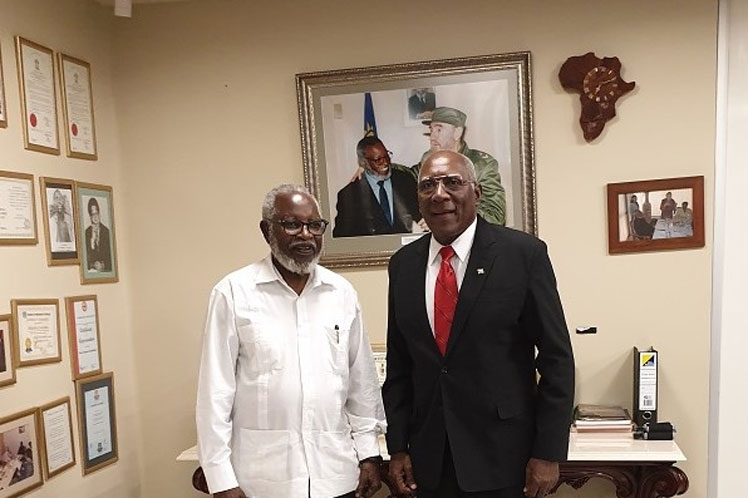 Sam Nujoma receives Cuba First Vice-President