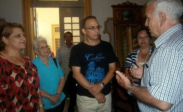 Sostiene Antonio Guerrero encuentro con estudiantes universitarios de Cienfuegos