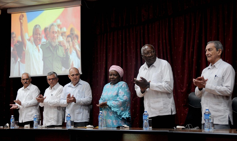 Cuba Remembers Nelson Mandela with the Graduation of 703 Medical Stude