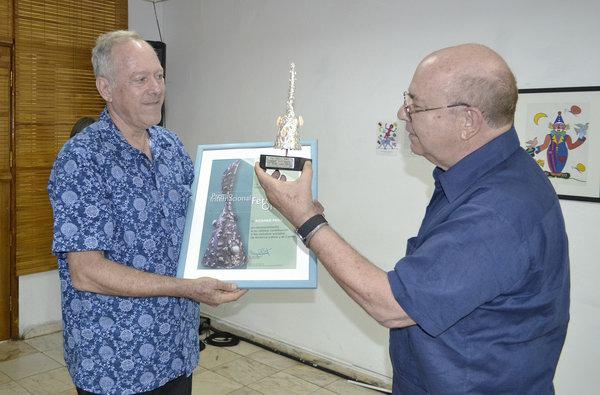 Distinguen en Cuba a antrop�logo estadounidense Richard Price