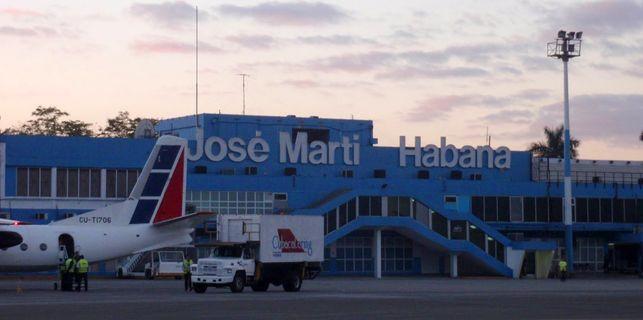 Cambios provisionales en servicios del aeropuerto Jos� Mart�