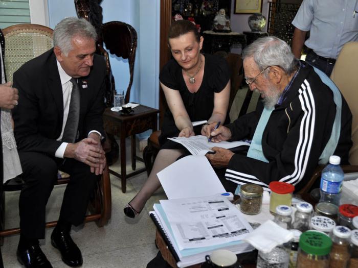 Visit� a Fidel el presidente serbio (+Fotos)