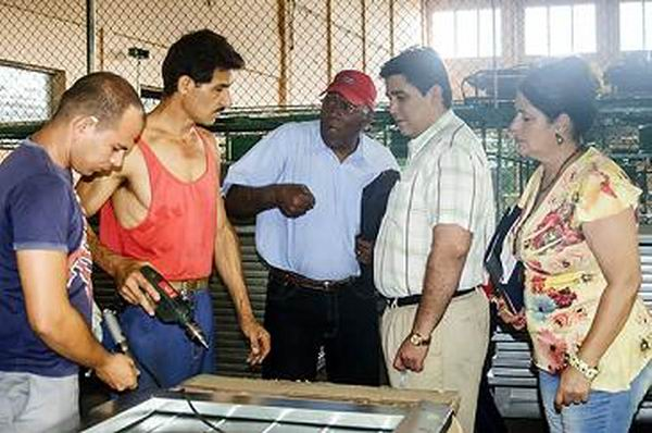Salvador Vald�s Mesa: atender a las propuestas de los trabajadores