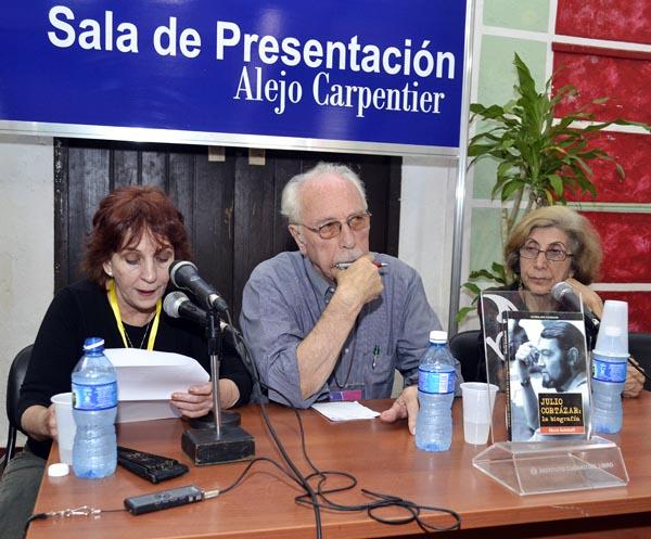 Julio Cortázar, la biografía (+Audio)