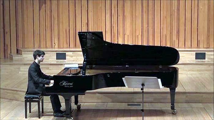 Debutará en La Habana pianista polaco Jakub Kitowski
