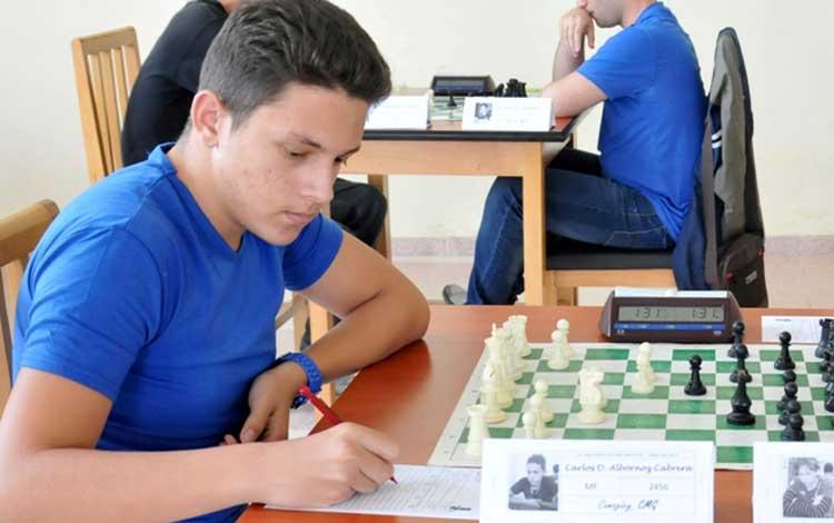 Cuban Albornoz leads Carlos Torre Memorial Chess Tournament