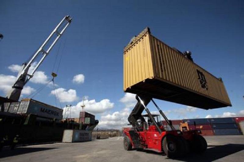 Modern cranes installed in Santiago de Cuba port