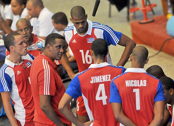 Cuban Volleyball Team Departs for Poland
