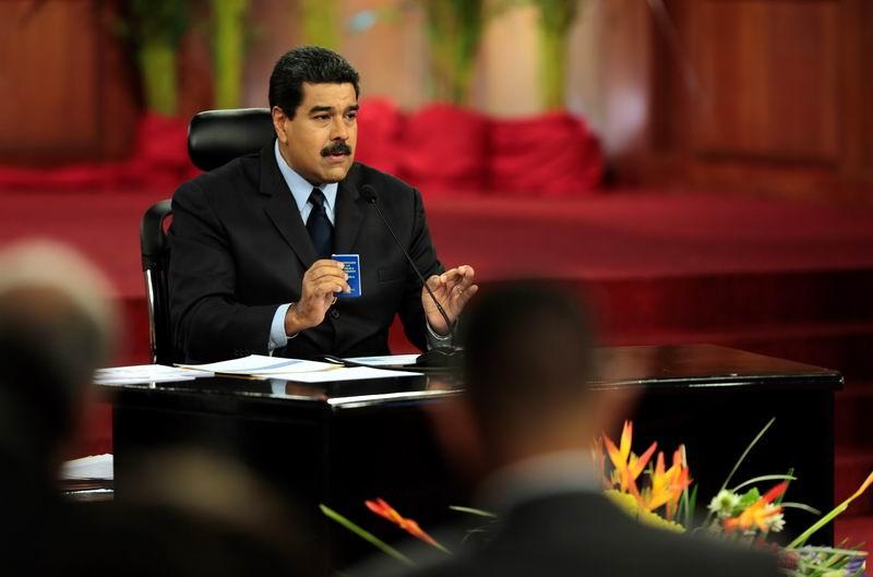 Acusa Nicolás Maduro a la oposición de promover una intervención en Venezuela