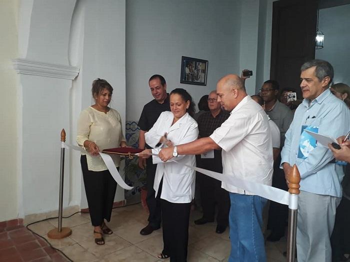 Inaugura vicepresidente cubano centro de Atención al Alzheimer