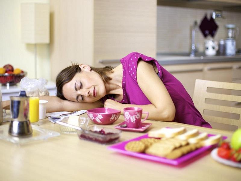 Por qué se siente sueño después de comer