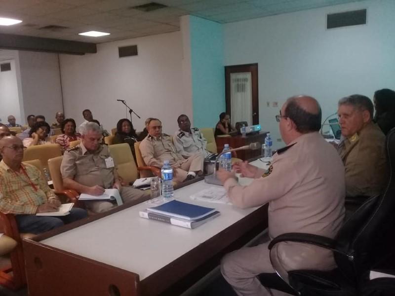 Examina Comisión de Defensa del Parlamento Cubano fiscalización a la Aduana General de la República.