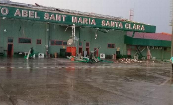 Provoca daños tormenta local severa al aeropuerto de Santa Clara