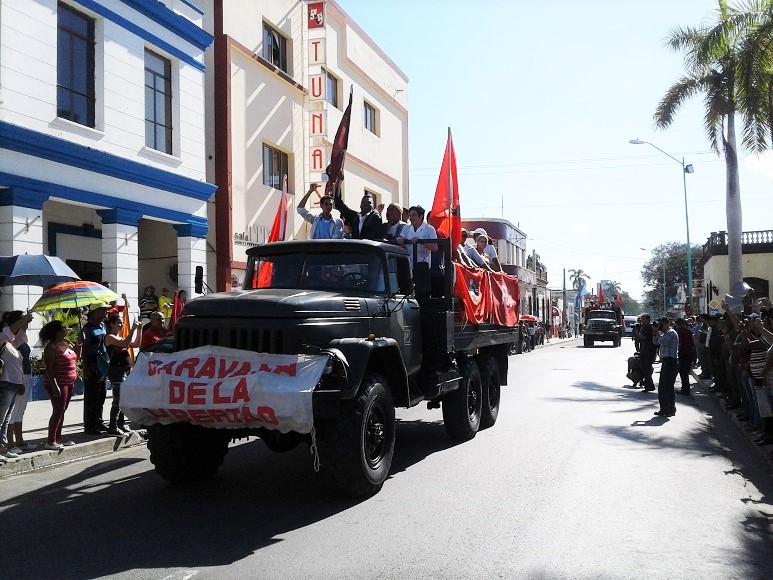 Somos continuidad: juraron los jóvenes frente a la Caravana