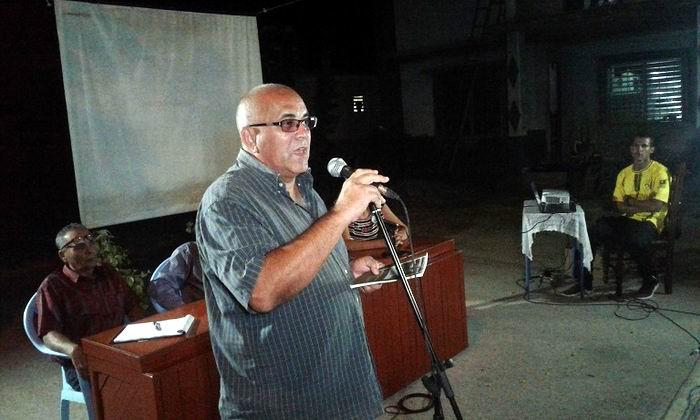 Miembro del Comité Central del Partido Comunista de Cuba, de los Consejos de Estado y Coordinador Nacional de los Comité de Defensa de la Revolución, Carlos Rafael Miranda Martínez