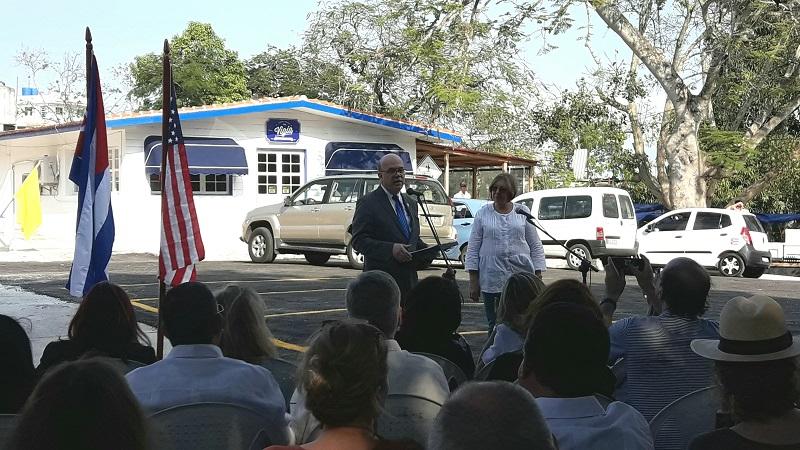 Congresista norteamericano exige relación cordial con Cuba