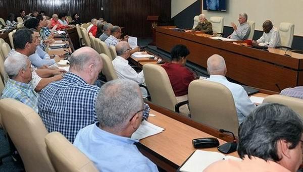 Evalúa Presidente Cubano marcha de la recuperación en La Habana