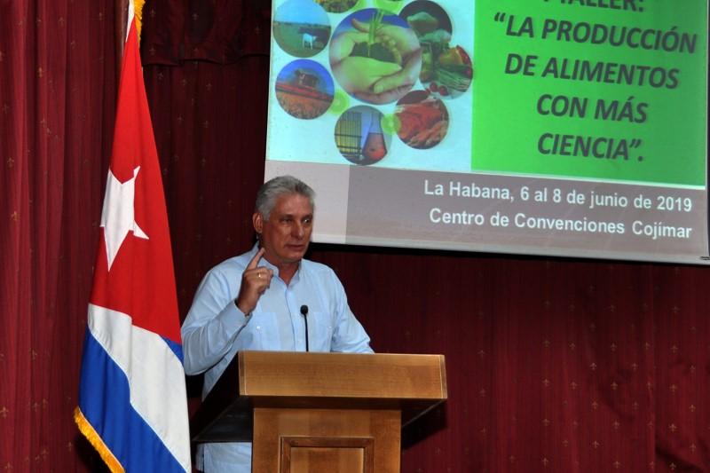 Asiste Díaz-Canel a cierre del I Taller de Producción de alimentos