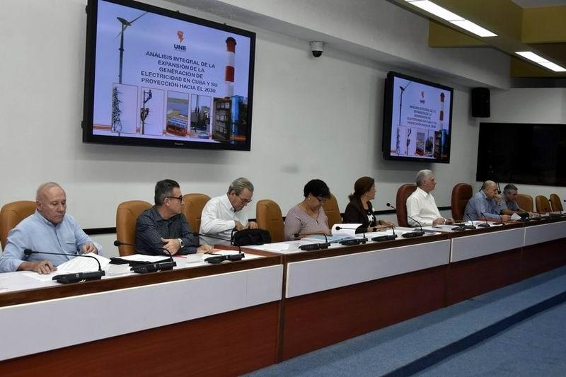 Chequea Díaz-Canel programas Tarea Vida, Memoria Histórica y del Polo Científico Productivo de La Habana, Artemisa y Mayabeque