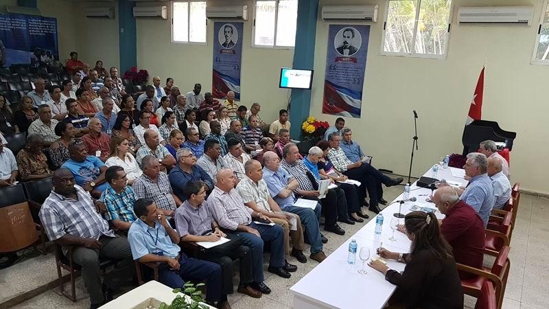 Díaz-Canel: Trabajar en Camagüey por la soberanía tecnológica