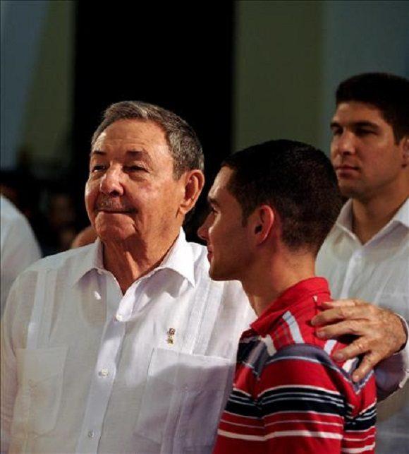 Elian Y Raul Castro