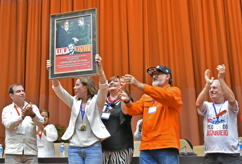 Respaldan los cubanos la liberación de Lula (+Galería)