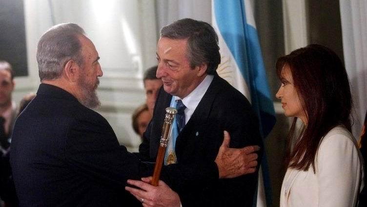 En el 2003, Fidel vino invitado por el entonces presidente Néstor Kirchner para participar en su toma de posesión