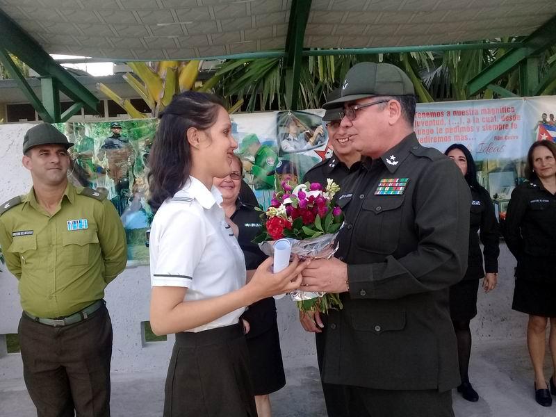 Gradúa Vocacional del MININT nuevos bachilleres