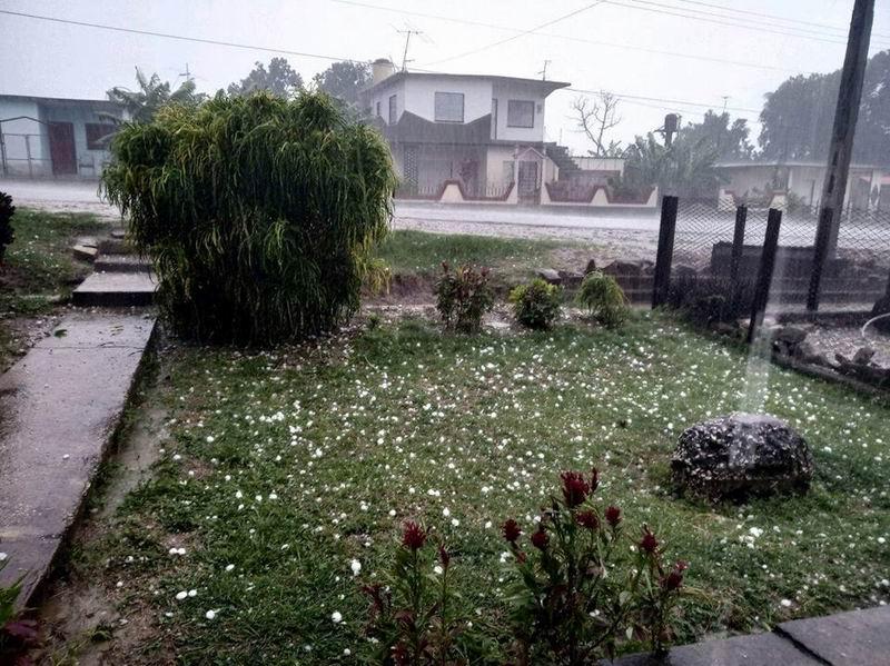 Tormenta local severa afecta zona central cubana