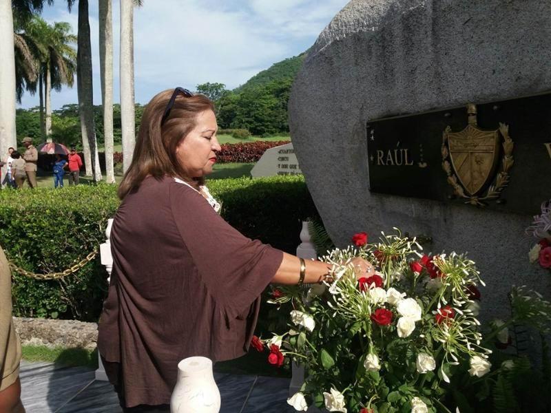Homenaje a Vilma Espín en el Segundo Frente