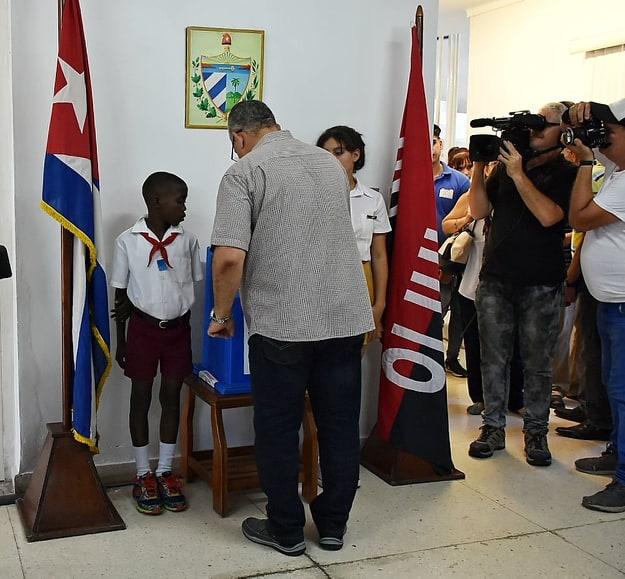 Por la Constitución y por la Habana lo Más Grande