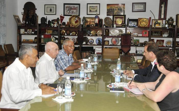 Recibe Machado Ventura a delegación de comunistas chipriotas. Foto: Ismael Batista Ramírez