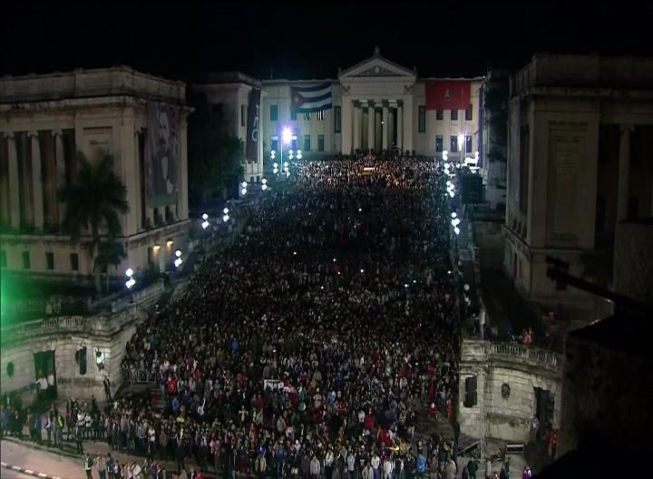 Asisten Raúl y Díaz-Canel a la Marcha de las Antorchas en La Habana