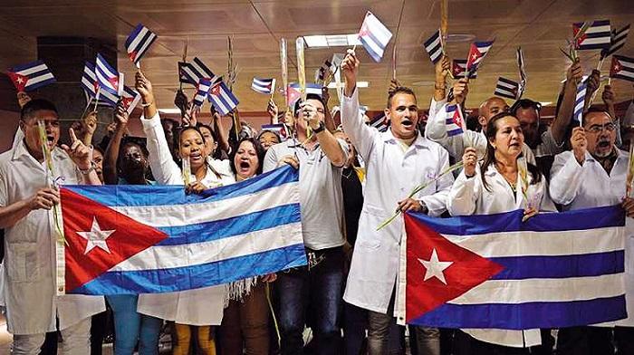 Denuncian médicos de la mayor de las Antillas campaña de descrédito de Estados Unidos