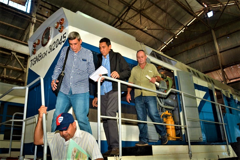 Cuba transport minister affirms that the country will continue to strengthen the services of that branch in 2020