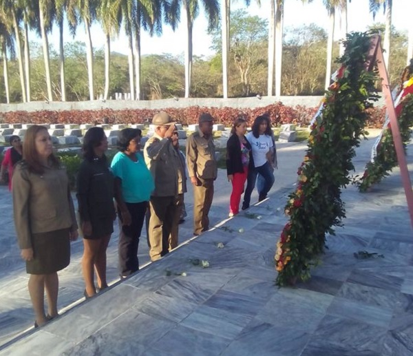Ofrendas de Raúl Castro y Díaz-Canel a Mártires del Segundo Frente