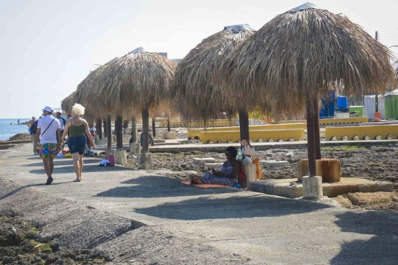 Paseo Marítimo: sombra y mejores ofertas para la población habanera