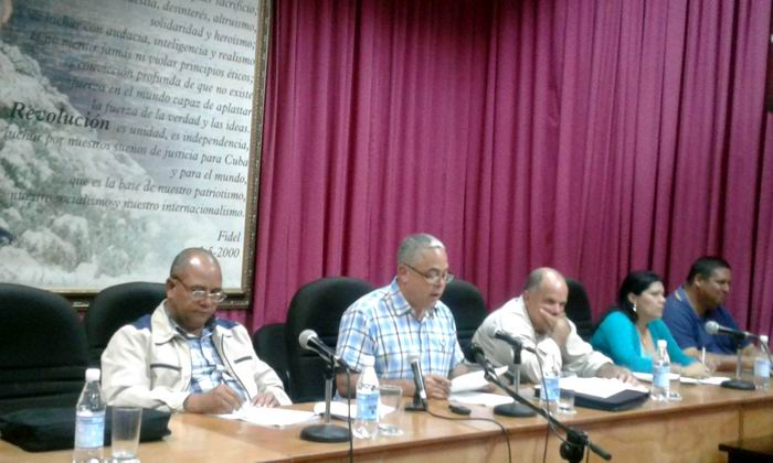 Evalúan recuperación de municipios habaneros afectados por el tornado