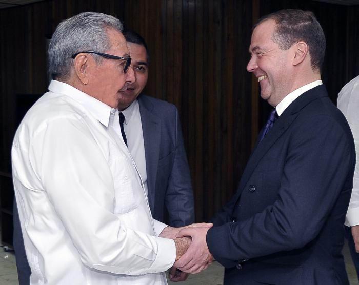 Recibió Raul al Presidente del Gobierno de la Federación de Rusia