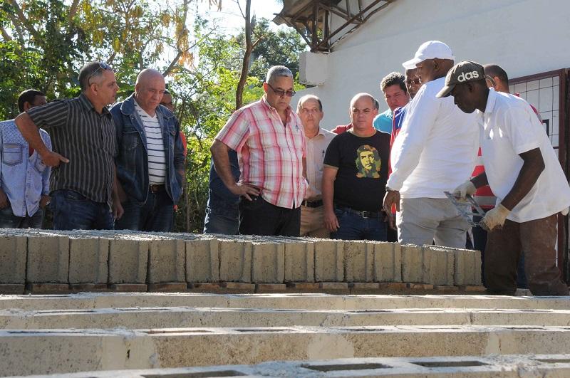 Evalúan en La Habana obras relacionadas con las viviendas
