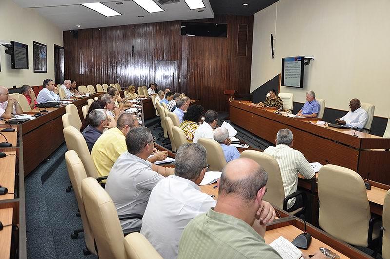 Díaz-Canel: defender nuestro turismo y hacerlo más eficiente