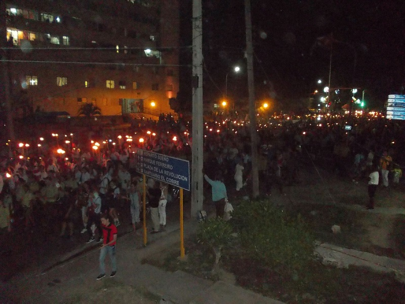 El Apóstol ilumina las calles de Santiago de Cuba