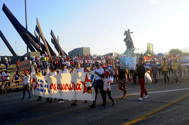 Contundente desfile por el Primero de Mayo en Santiago de  Cuba