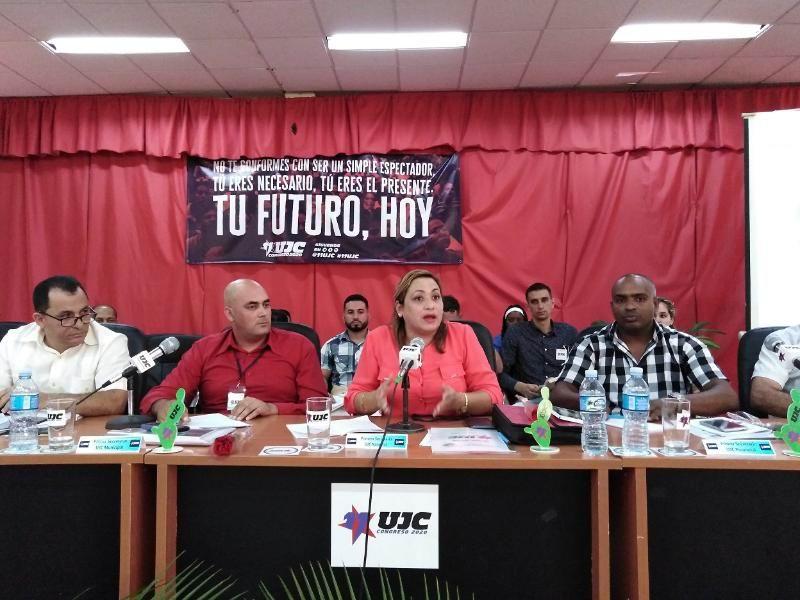 Susely Morfa: los jóvenes deciden la producción, los servicios y la defensa