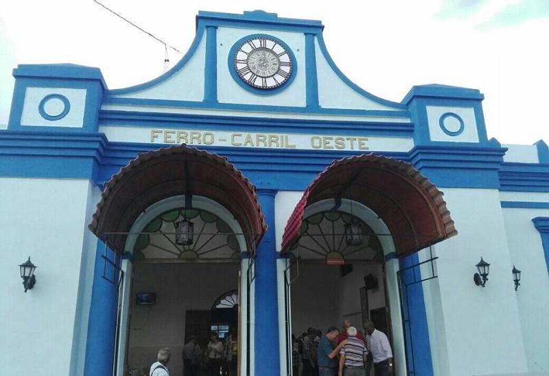 Sobre rieles el tren Habana-Pinar